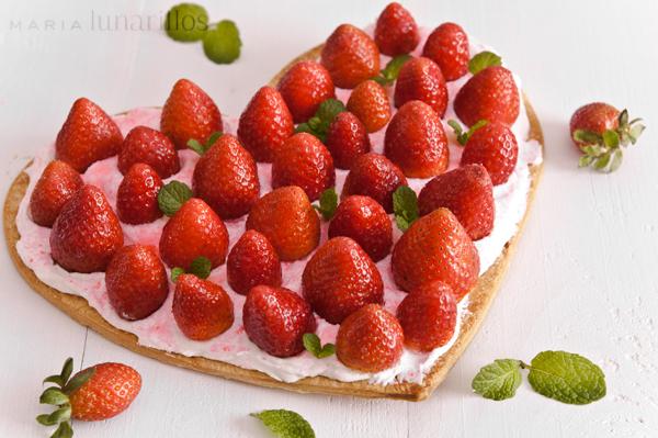 Tarta corazón de fresas y nata, el retorno y el retoño