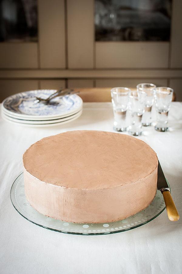 Cómo cubrir con crema una tarta de capas