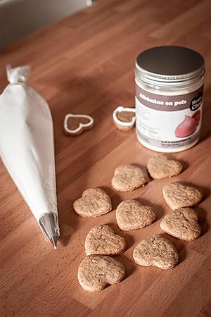 Como-hacer-glasa-para-decorar-galletas-con-albumina-6-700-300