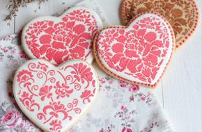 Cómo decorar galletas con stencils para San Valentín