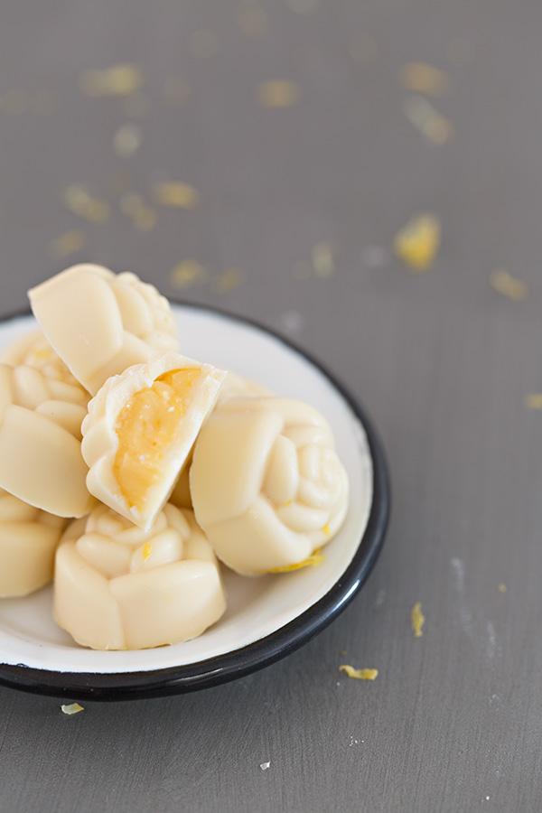 Bombones rellenos de crema de limón