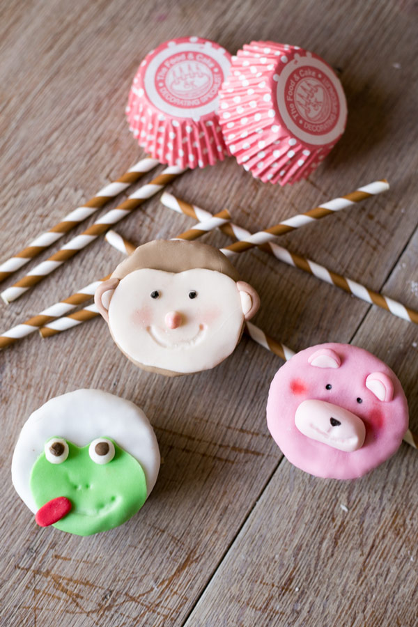 cupcakes-munecos-fondant.