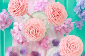 Cake pops con forma de rosa