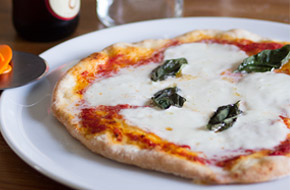 Receta de pizza napolitana