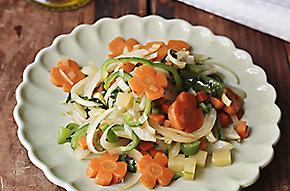 Cortes básicos de verduras en la cocina y receta de salteado de hortalizas
