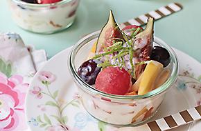 Frutas de verano con salsa de limón