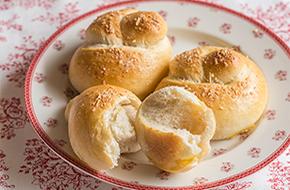 Nudos de pan con ajo y queso
