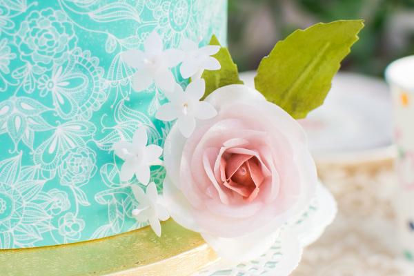 Jazmines y rosas con papel de arroz, wafer paper u oblea