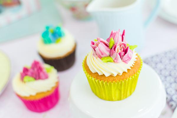 decorar-cupcakes-con-boqullas-rusas-3