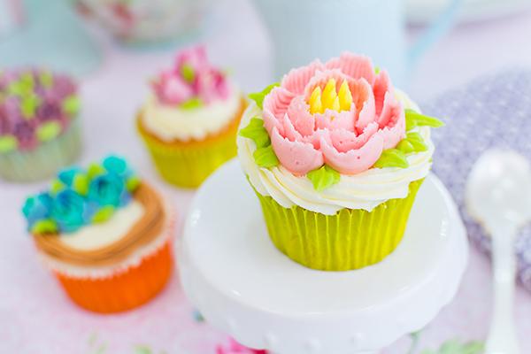 decorar-cupcakes-con-boqullas-rusas-5
