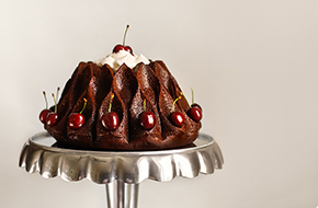 Bundt cake de chocolate y cerezas