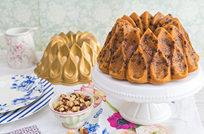 Vídeo-receta: Bundt Cake de avellanas con chips de chocolate