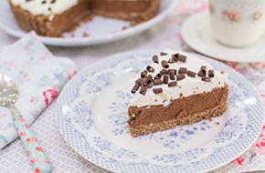 Vídeo-receta en un minuto: Tarta mousse de chocolate sin horno