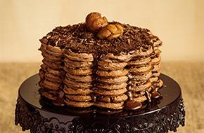 Tarta de gofres con chocolate y castañas