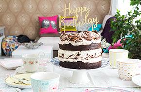 Vídeo-receta: Tarta de chocolate y merengue