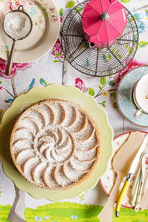 bundt-cake-manzanas-almendra-0-300