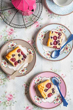 pastelitos-queso-frutas-rojas-0-300