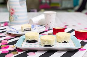 Vídeo-receta en un minuto: Mini cheesecakes con Oreo