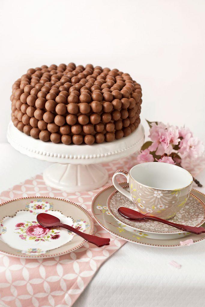 Receta de tarta doble chocolate con Maltesers