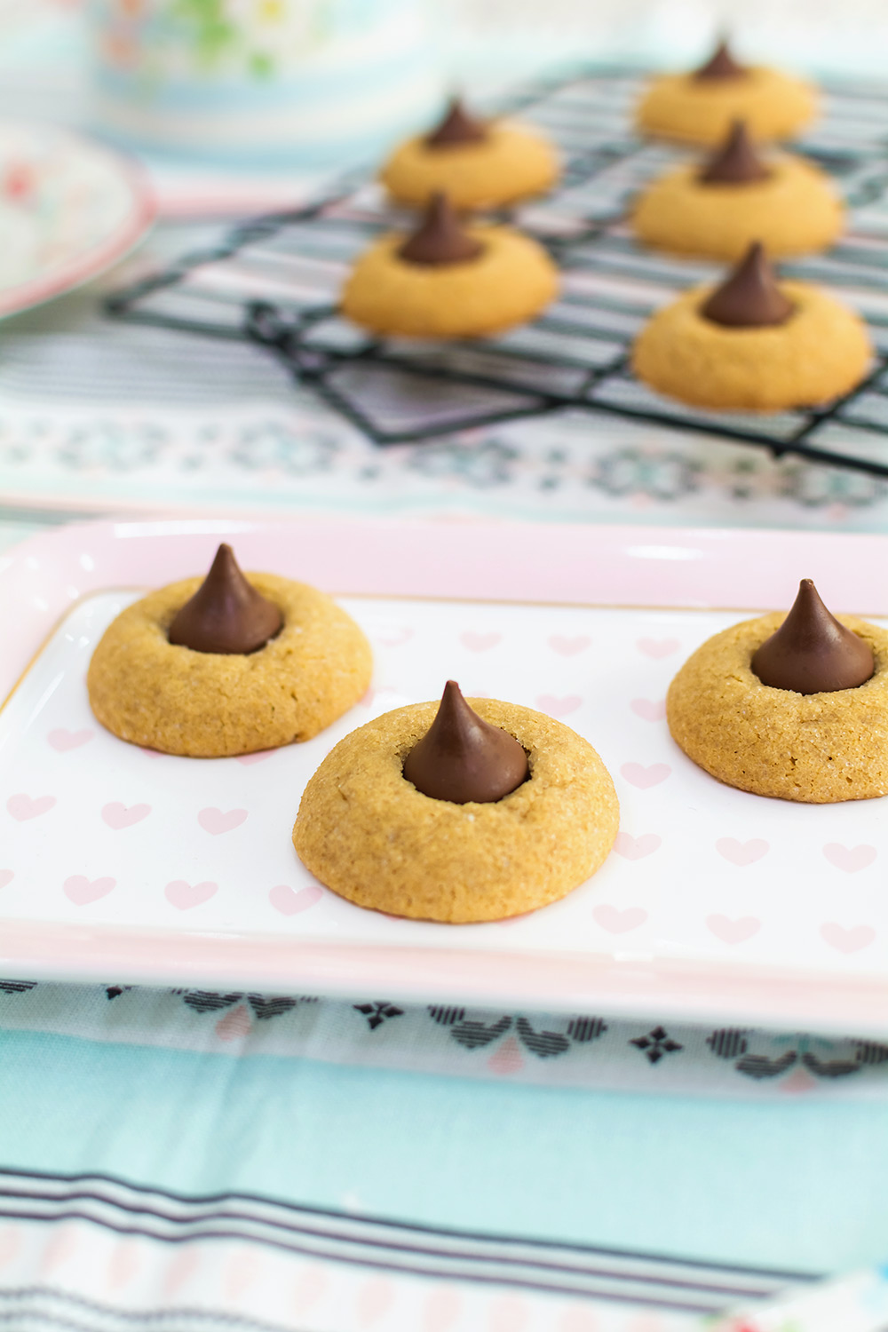 video-receta-peanut-butter-blossoms-cookies-1