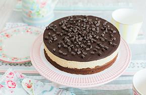 Vídeo-receta en un minuto: Tarta brownie con mantequilla de cacahuete