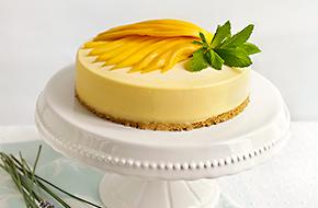 Tarta helada de mousse de mango