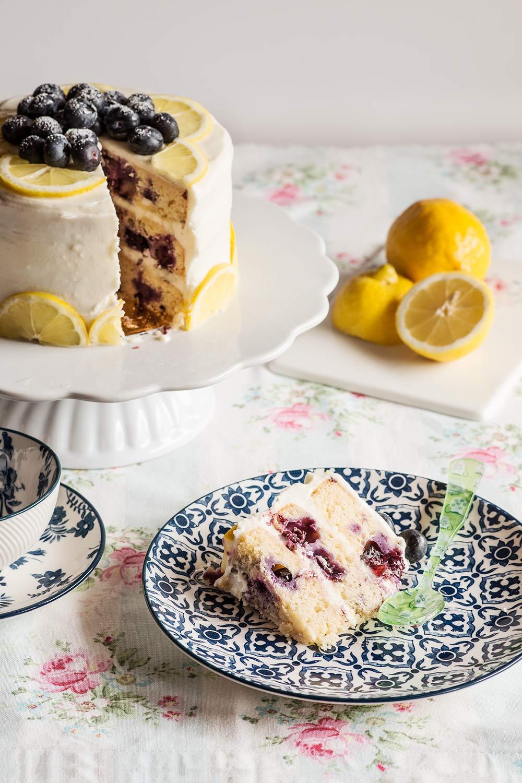 receta layer cake limon arandanos