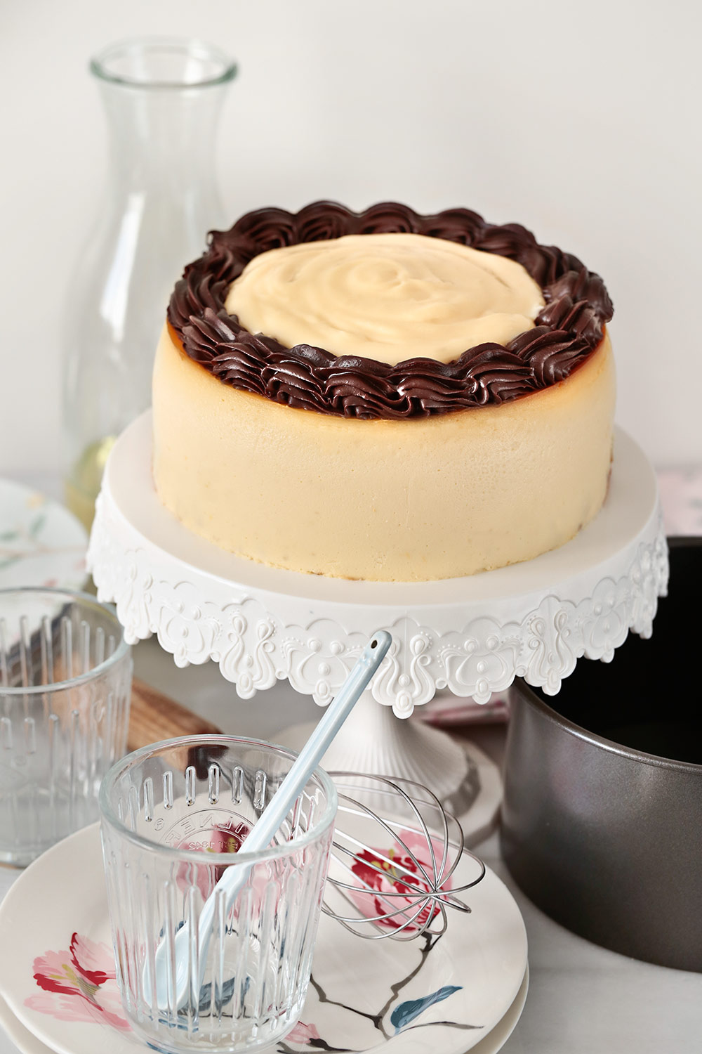 Cheesecake Boston cream pie