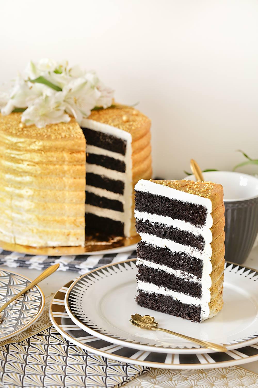Receta layer cake de chocolate con aerógrafo